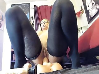 Queen of squirt and double penetration