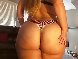PP - Enormous PAWG ass oiled up