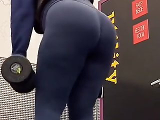 Thick ass in gym 2