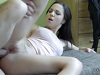 Chick asks loan agent for money and convinces him with anal