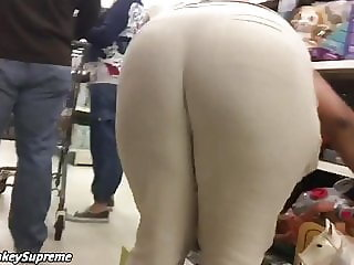 Bent Over 9x +grope Ghetto Mature Milf