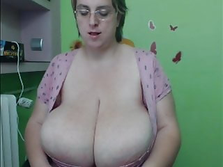 BBW with MONSTER tits and HIGE clit