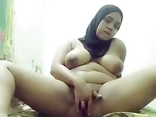 hijab whore on cam