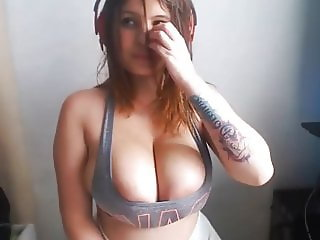 A1NYC Big Boob Teen webcam girl new sensation