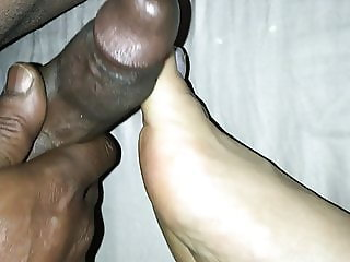 DaCaptainAndMimosa In PLAYING WITH HER FEET WITH MY DICK