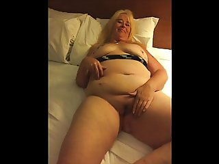 Tinder Slut Serena Gets Fucked in Hotel