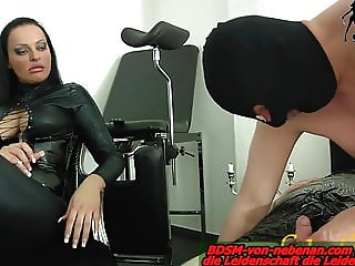 Slave must do blowjob - lession at german bdsm femdom domina