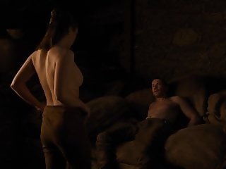 Maisie Williams - 'GoT' s8e02