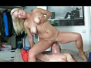Hot Mature MILF Likes Random Sex with Lucky Tourist
