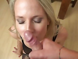 Shameless Divorced MILF Likes Anal Sex and Cum in Mouth