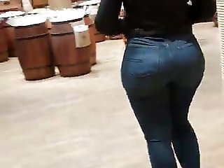 Teen big ass in tight jeans 15