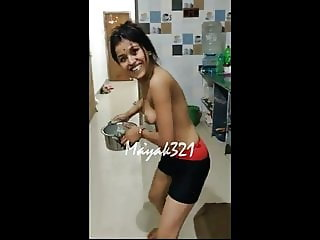 INDIAN AUNTY NUDE VIDEO