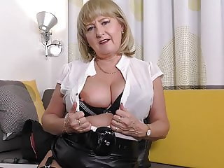 Solid mature mom with brilliant tits and pussy