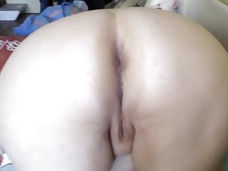 fat ass trying to fart