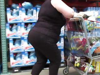 GILF with poppin phat booty shopping in spandex