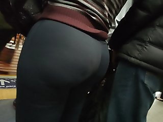 Big round booty girl in tight pants