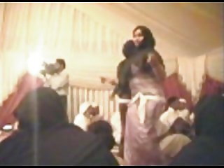 BIG ARAB BUTT DANCE  OLD PARTY
