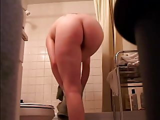Sexy Tatoo Girl after Shower - Spy Cam Clip
