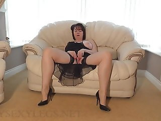 Amateur Wife Plays With Her Pussy In Nude Stockings