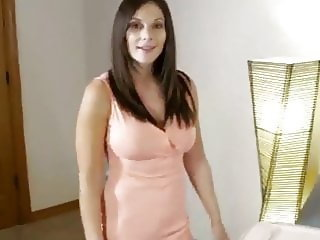 Sharing the bed with hot milf