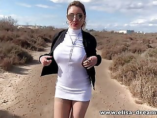 Erotic and naughty video done by going to the beach