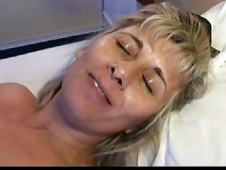 lisa squirts after her cunt is given a lot of attention