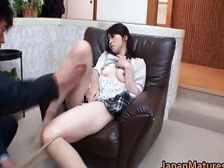 Horny Japanese mature babe sucking