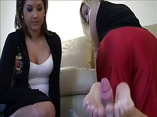 Thresome footjob