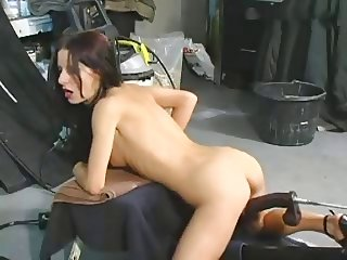 Big Dildo Machine Fuck