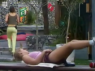 Big Brother NL Hot Blonde Teen Girl 18yr sporting