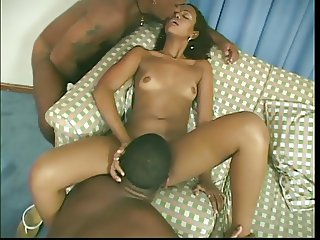 Nubile beauty with great body forms human pyramid with two cocks in hotel bed