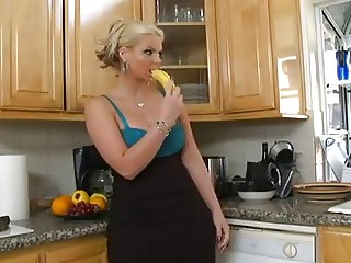 Kitchen Action For Hot Sizzling Cougar Phoenix Marie -