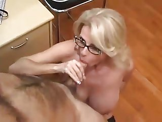 Office milf in glasses makes great sex partner