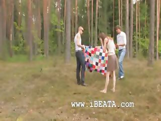 Amateur croatian threesome in the forest