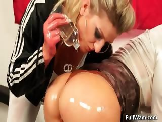 Swet blonde babe with big round ass gets part1