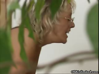 Busty mature woman gets her cunt fucked part5