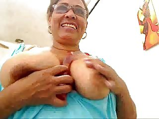 Colombian mature fingering on webcam (no sound)