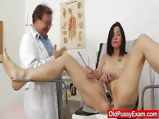 Gray oma mama old hairy pussy inspection