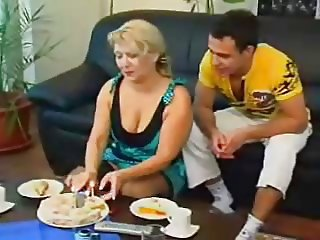 older foreign lady gets fucked at tea time