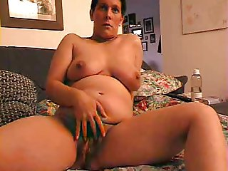 Amateur Chubby Hairy Mature Playing
