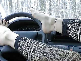 Pretty Fetish Feet Tease in the car(WheelSex)