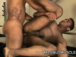 Matheus Axell And Douglas Masters - BodyBuilders Awesome Gay Anal WorkOut