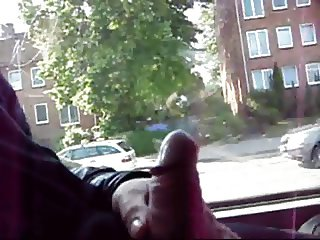jacking on bus, wait for end