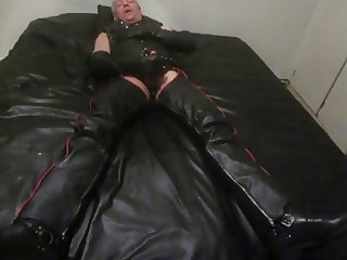 leather gloves wank 3
