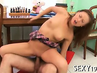 Pounding babe's tight pussy