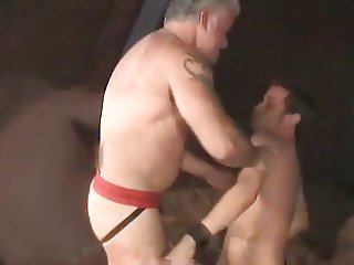 Muscle silver daddy pounds bottom on bed