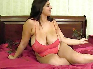 Horny Big Natural Tit BBW MILF