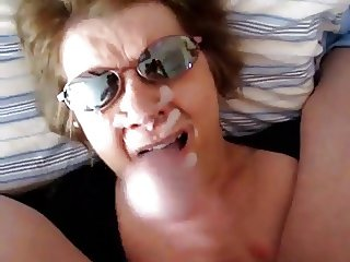 Mature wife strokes out the cum - negrofloripa