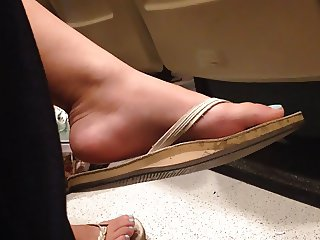 Candid Sexy Feet in College Lecture Hall