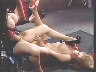 Blonde and brunette fuck shoes on the floor